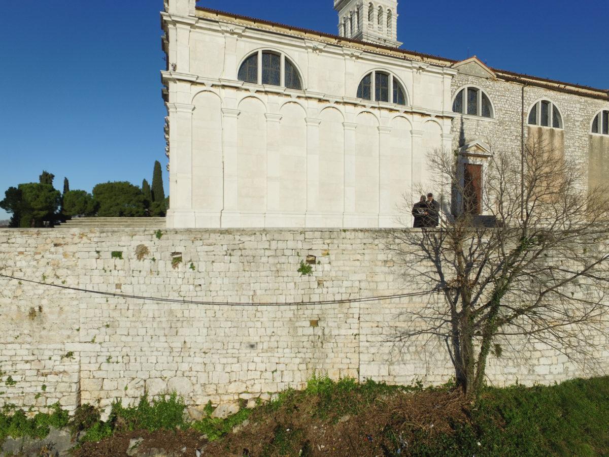 Un ritrovamento fantastico sotto la chiesa di S. Eufemia: ritrovata sotto terra la chiesa di S. Michele Arcangelo - glavna fotografija