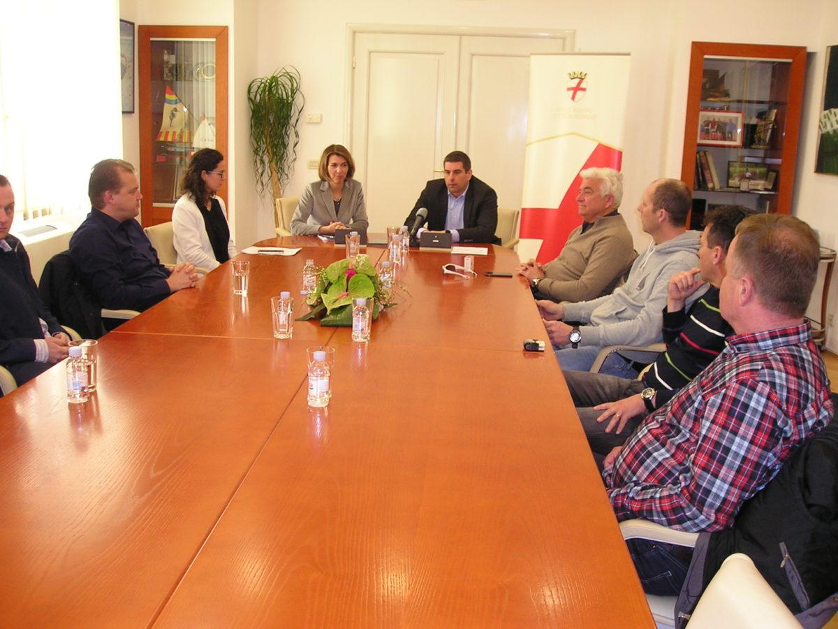 Firmati i contratti d'affitto per la zona imprenditoriale Gripole-Spiné - glavna fotografija