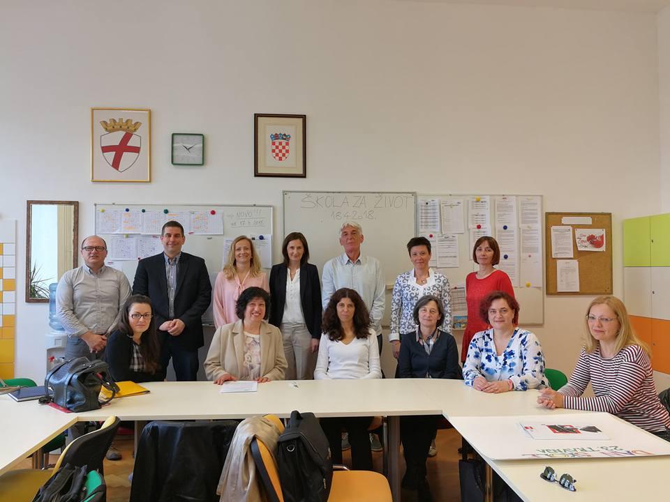 Lidija Kralj, aiuto ministro dell'istruzione in visita alla Scuola media superiore Zvane Črnja