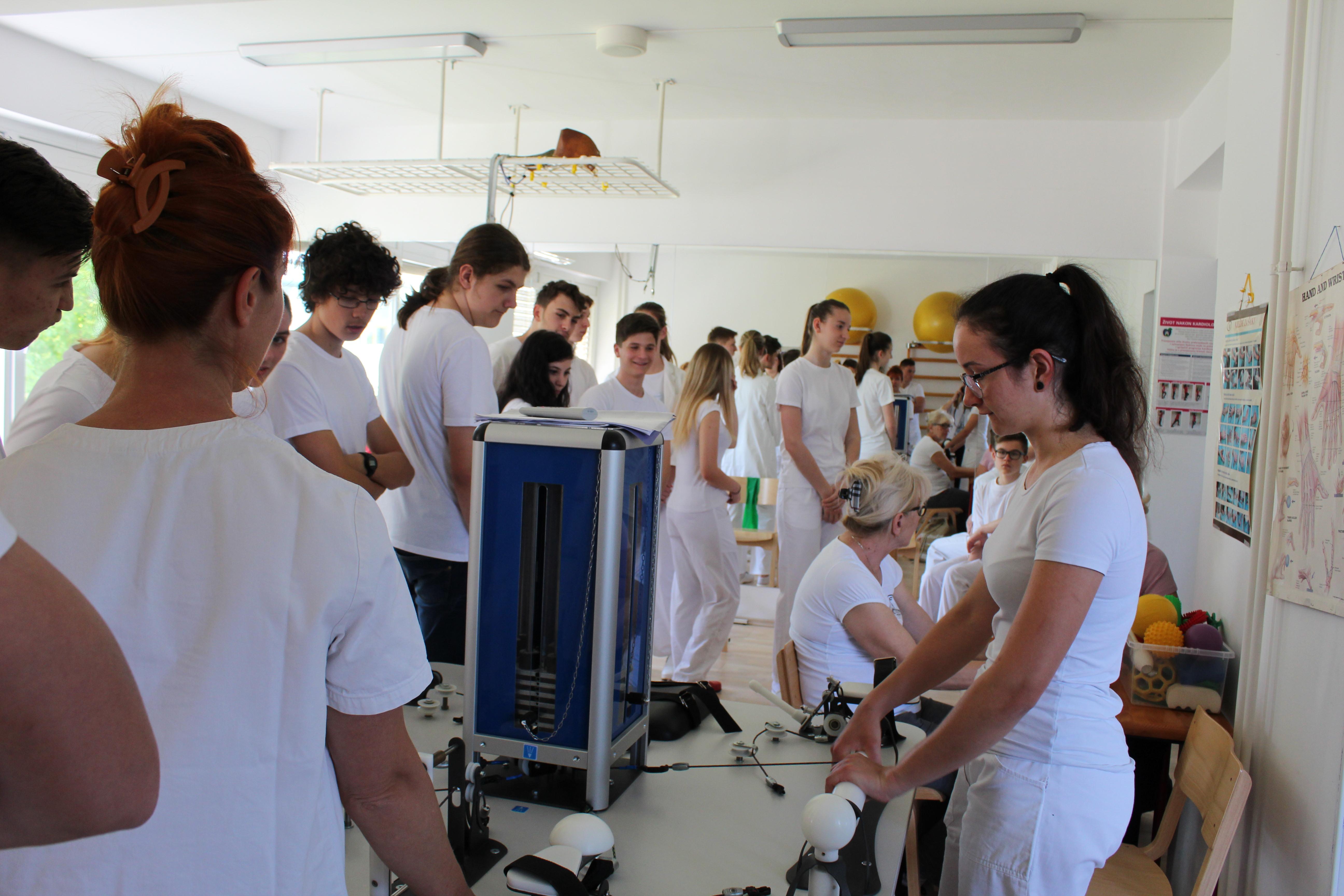 La SMSI in visita all'ospedale Naftalan