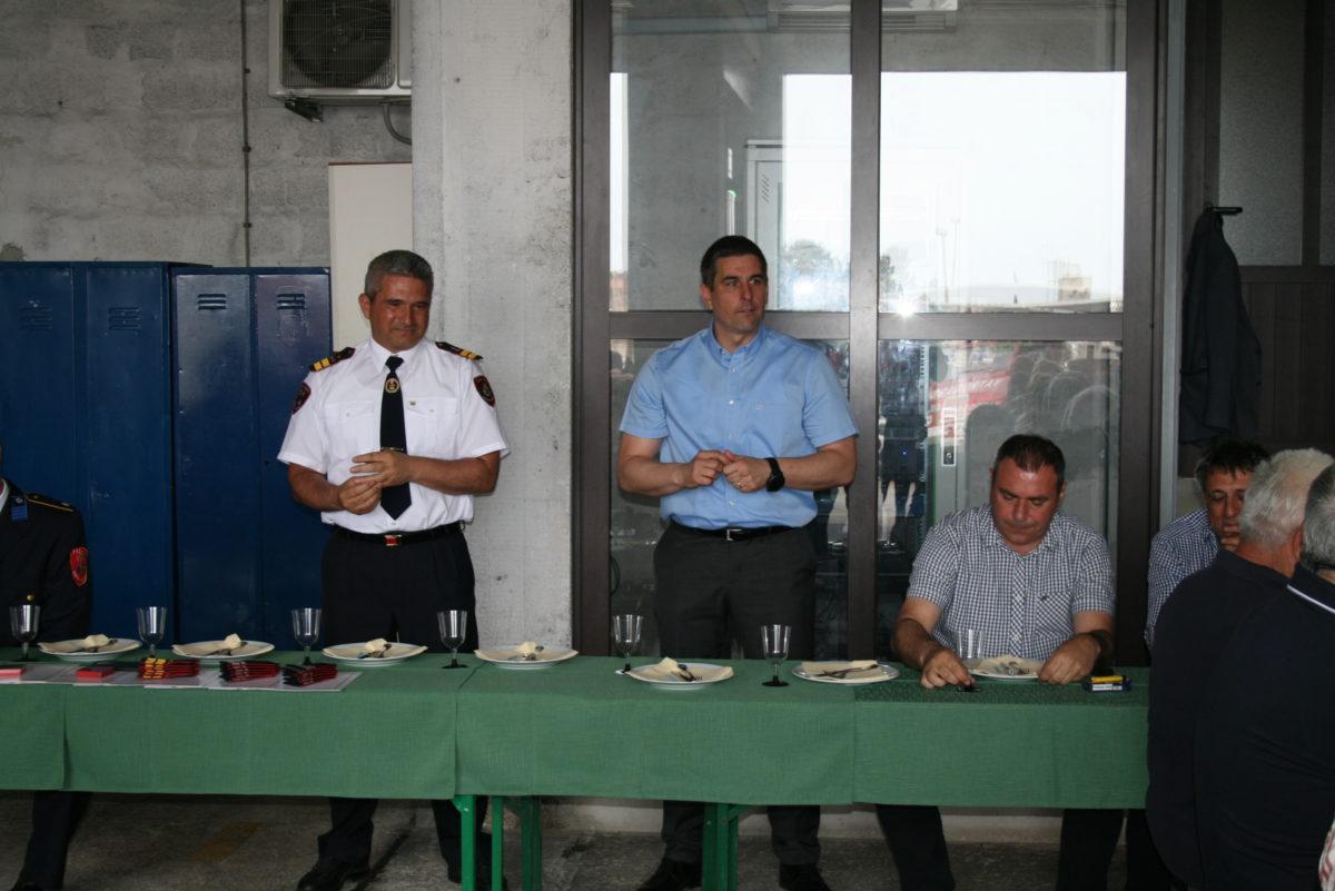 Celebrata la Giornata dei vigili del fuoco - glavna fotografija