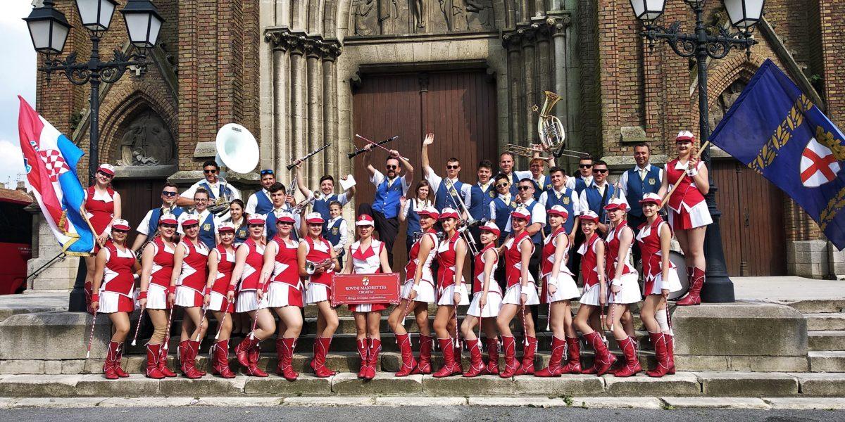 Le majorettes rovignesi in tournee in Francia - glavna fotografija