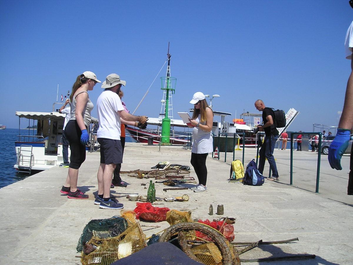 Azione ecologica per una costa più pulita - glavna fotografija