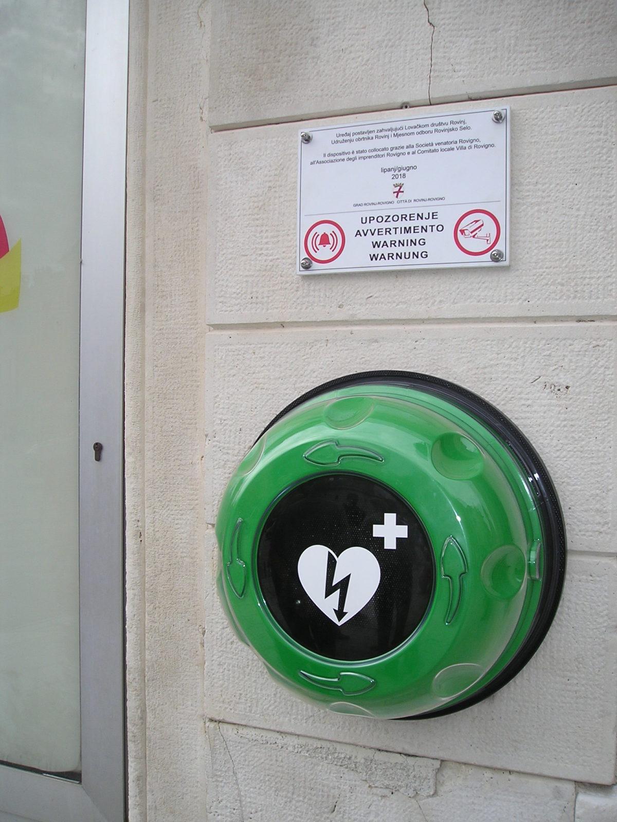 Collocato il primo defibrillatore mobile - glavna fotografija
