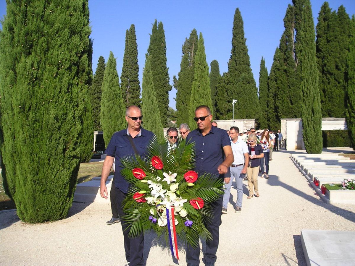 Celebrata la Giornata della Vittoria e del Ringraziamento - glavna fotografija
