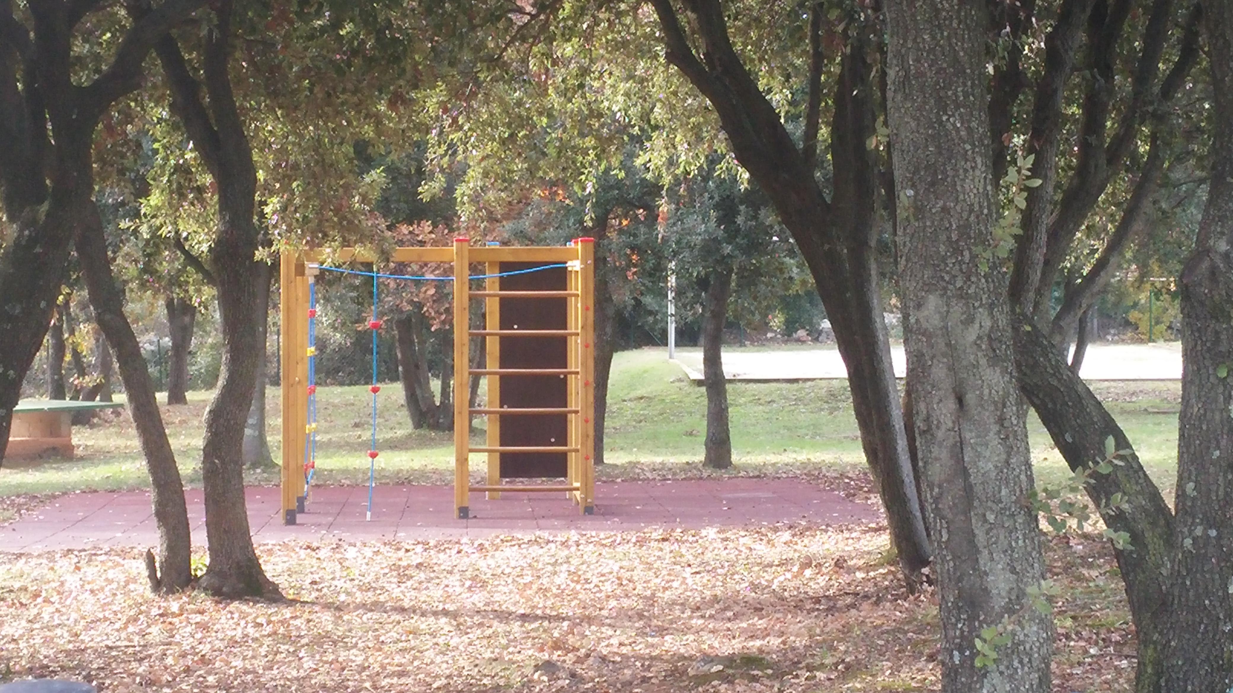 Opremanje dječjeg igrališta u naselju Cocaletto u Rovinju