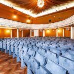 Nove stolice u kazalištu Antonio Gandusio