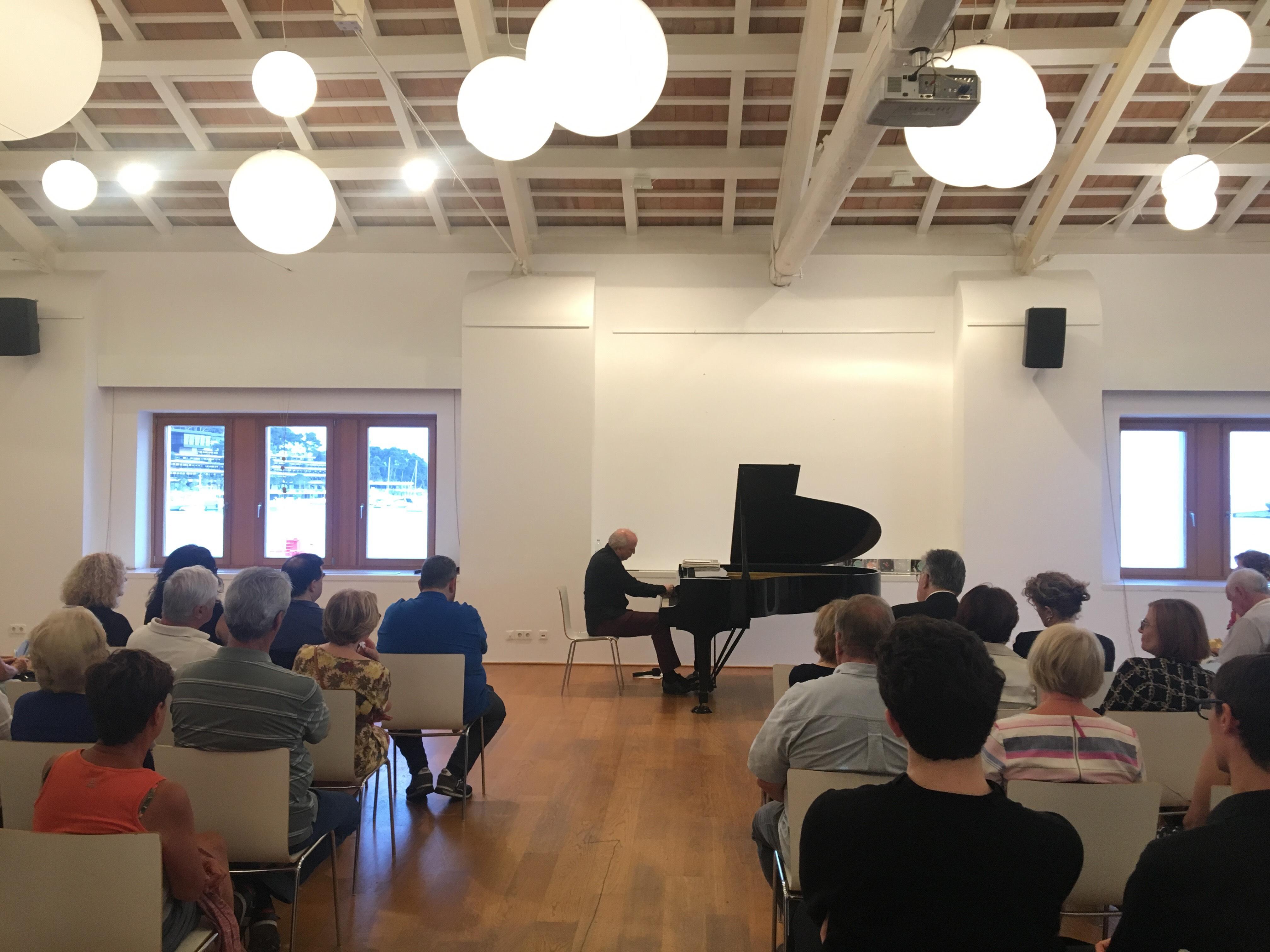 Conferenza-concerto del pianista Giovanni Bellucci