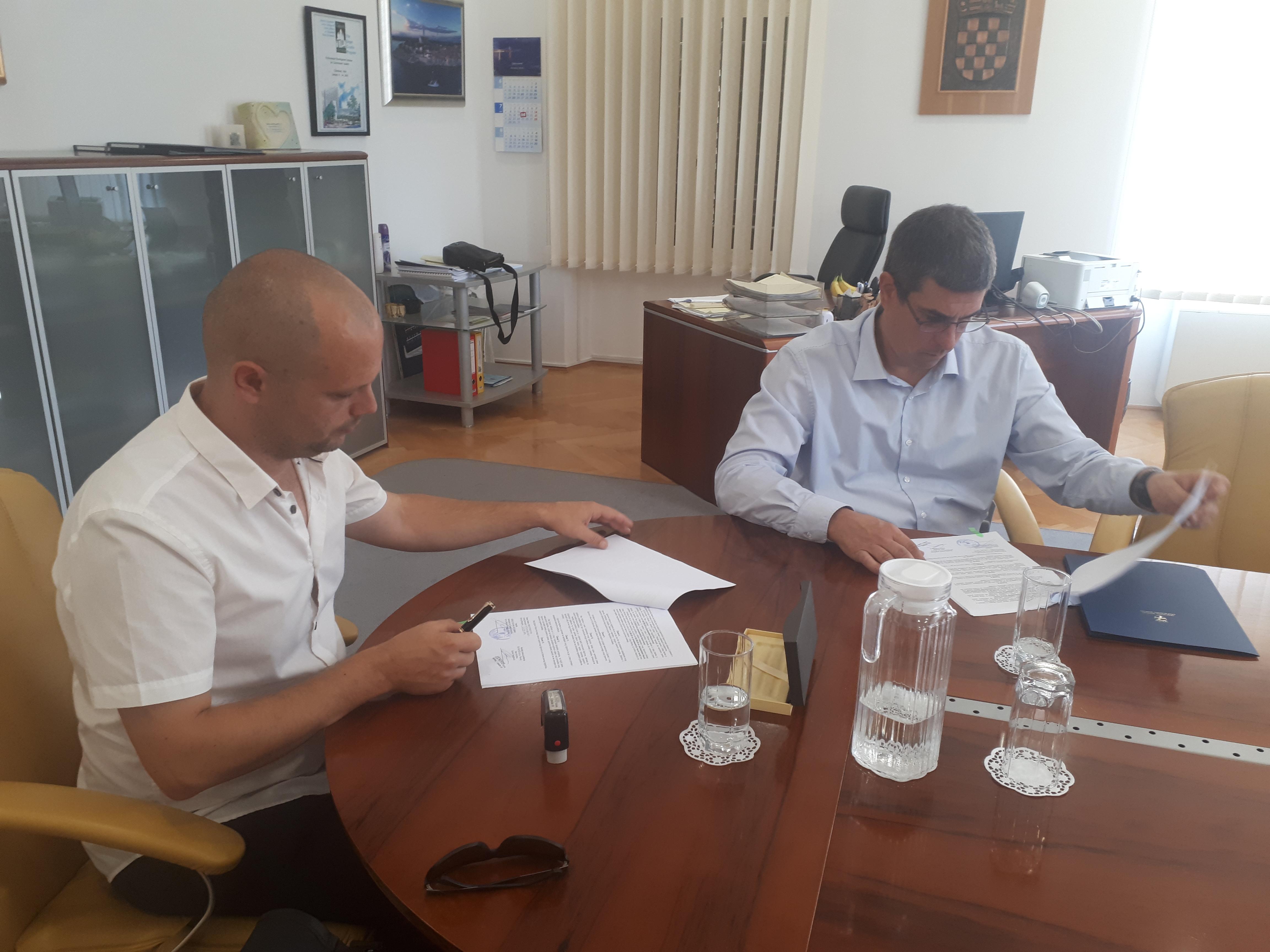 """Potpisan novi Ugovor o osnivanju prava građenja na području poduzetničke zone """"Gripole-Spiné"""""""