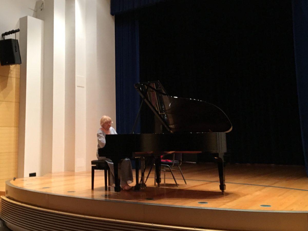"""La rinomata pianista Pavica Gvozdić inaugura il Festival """"Rovinj art&more"""" - glavna fotografija"""