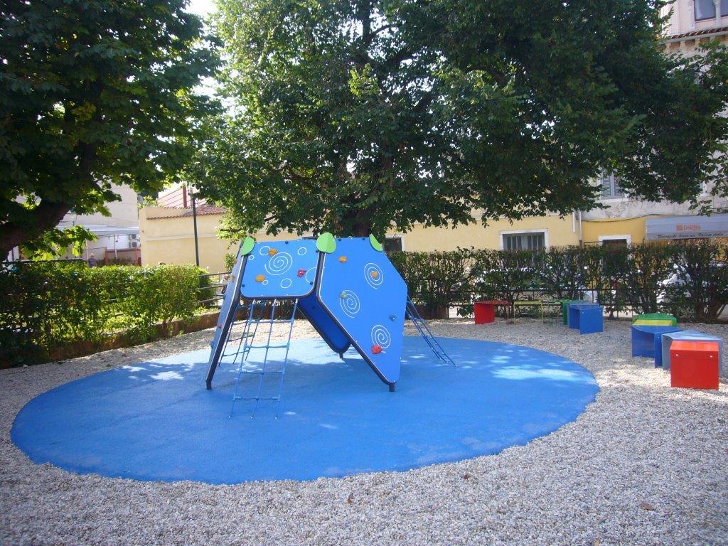 Uređeno dječje igralište u ulici Carducci