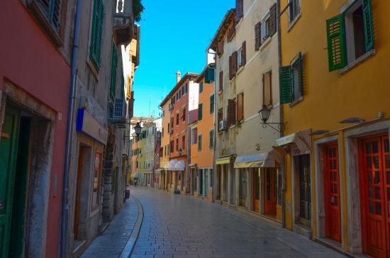 Carera – najpoznatija trgovačka ulica u Rovinju