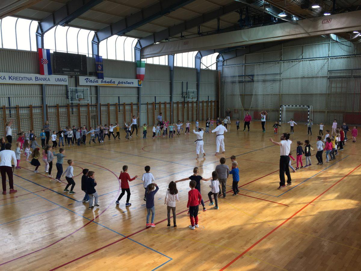 A lezione di karate dal sindaco - glavna fotografija