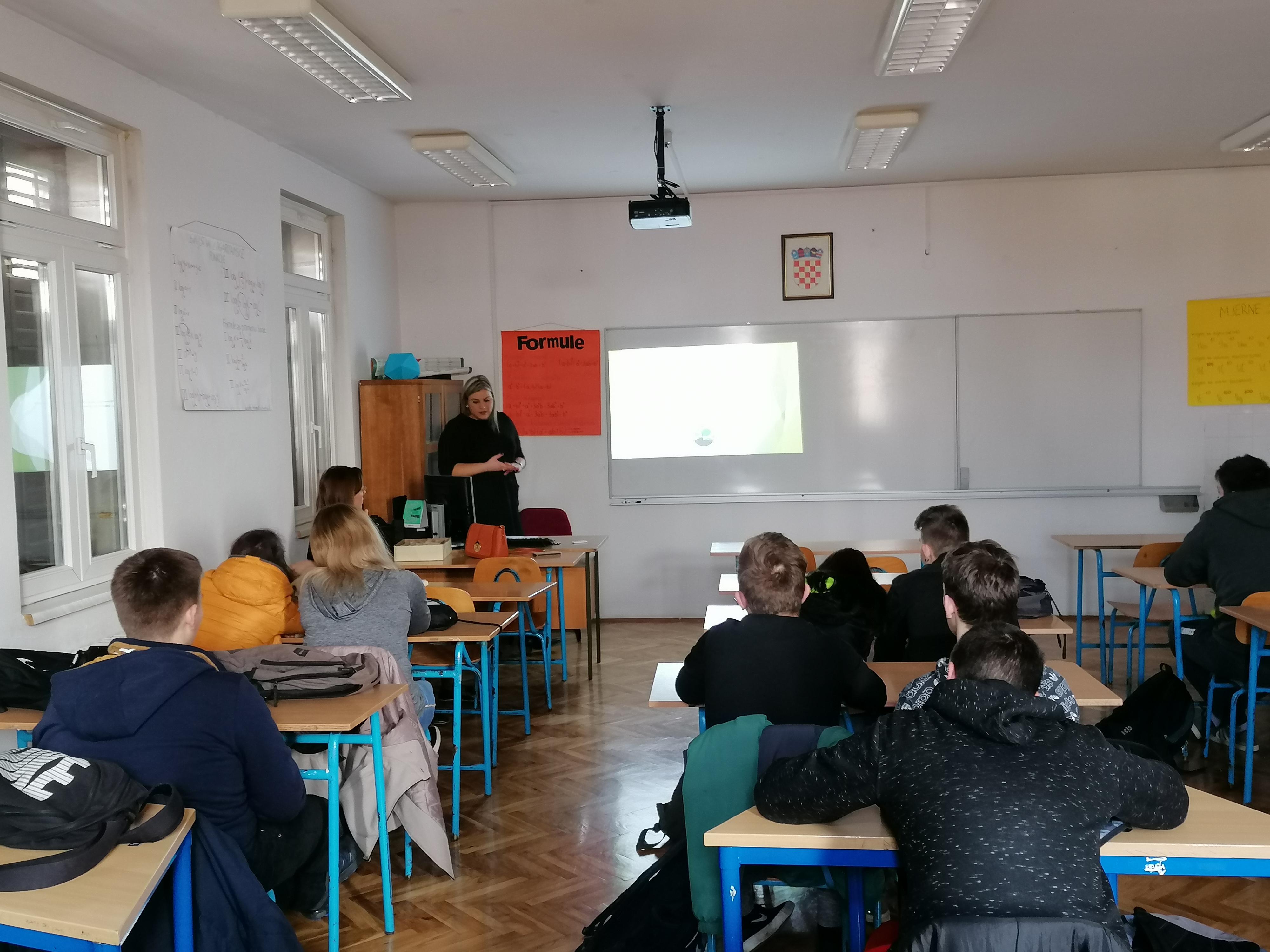 Učenicima škole E. Kumičića predstavljen rad gradske uprave
