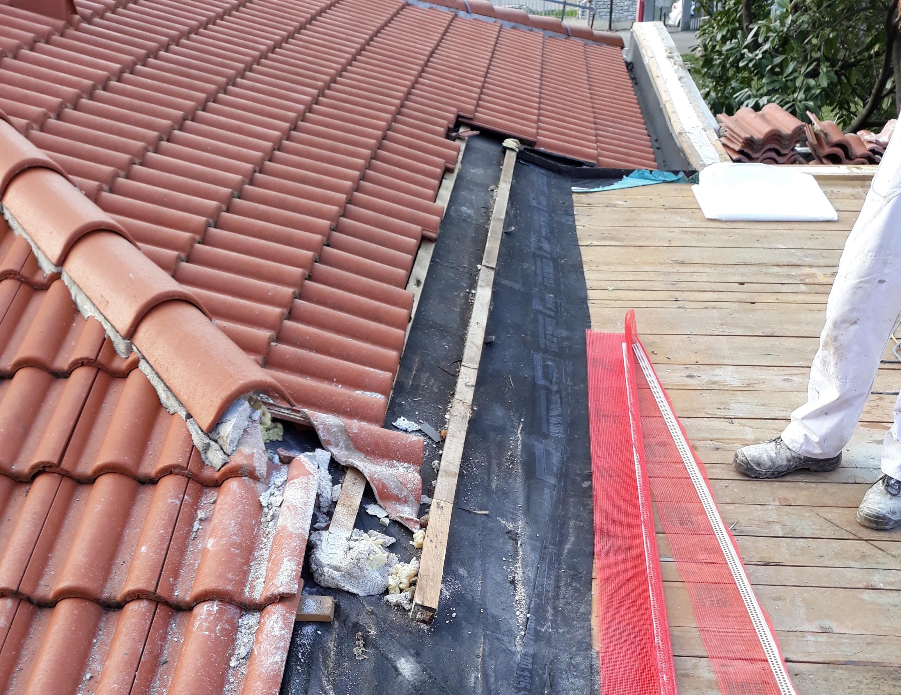 In corso il risanamento del tetto della SEI «Bernardo Benussi»