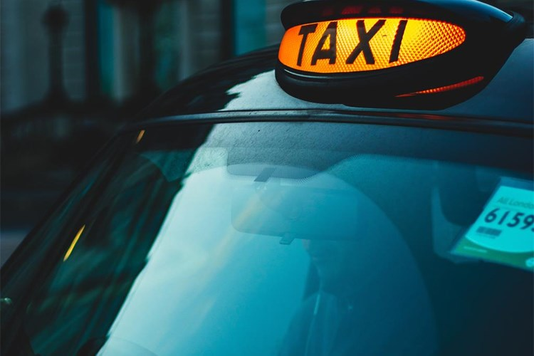 Odluka o mjerama zaštite za taxi prijevoznike - glavna fotografija