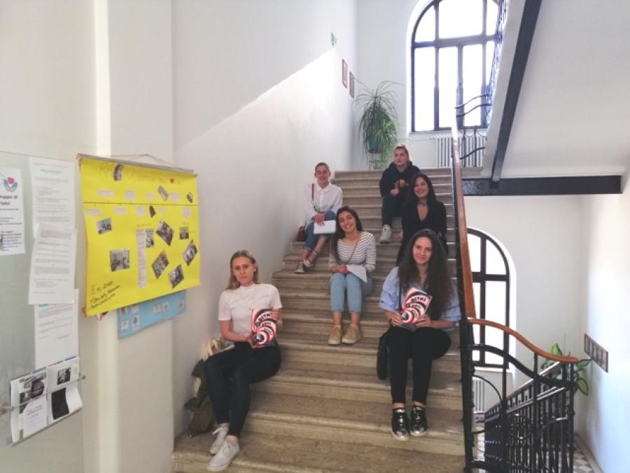 """Učenice Talijanske srednje škole Rovinj sudjelovale na natjecanju """"Čitanjem do zvijezda"""""""
