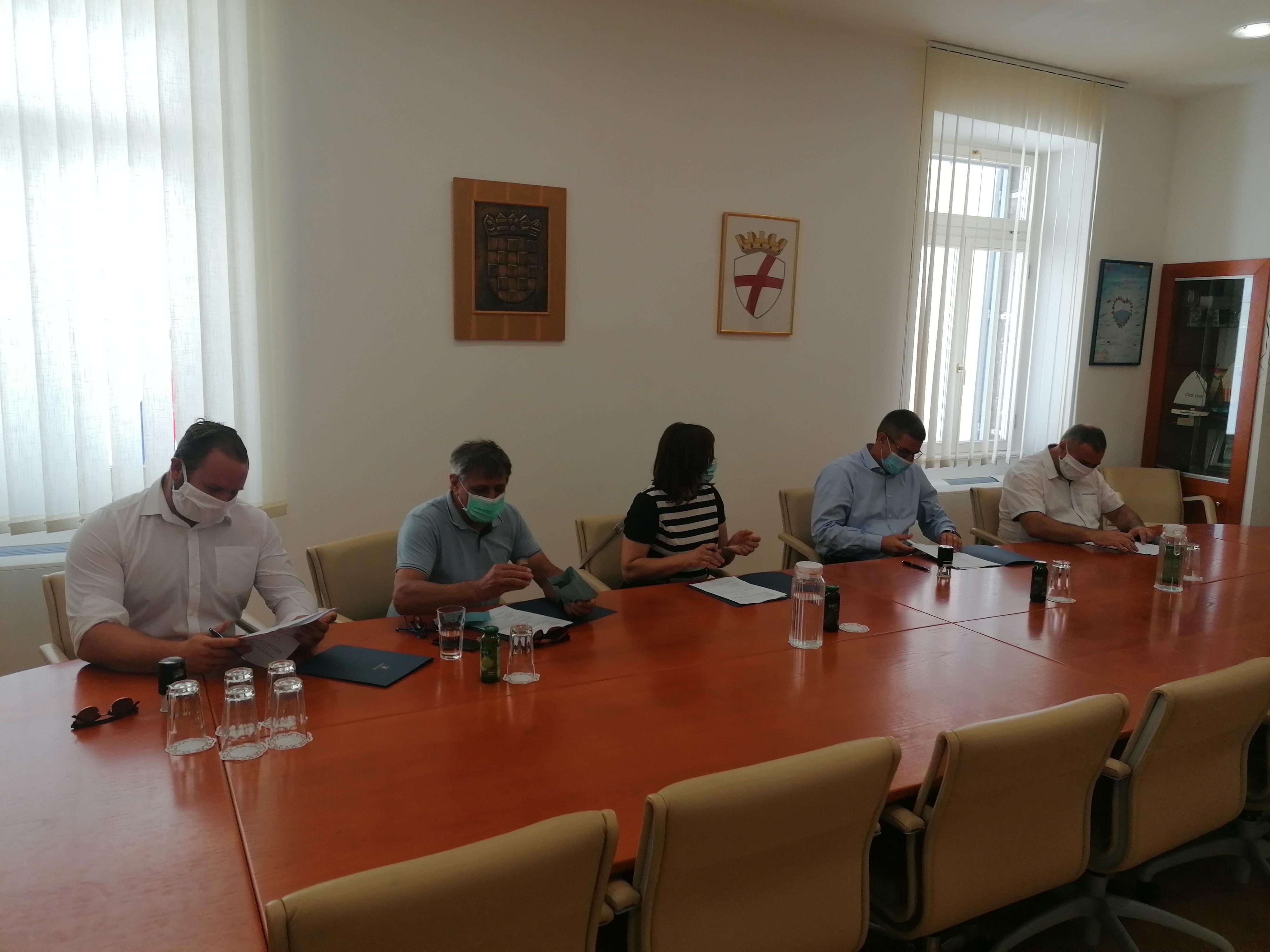 Potpisan Sporazum o sufinanciranju dodatnog tima Hitne pomoći za područje Rovinjštine