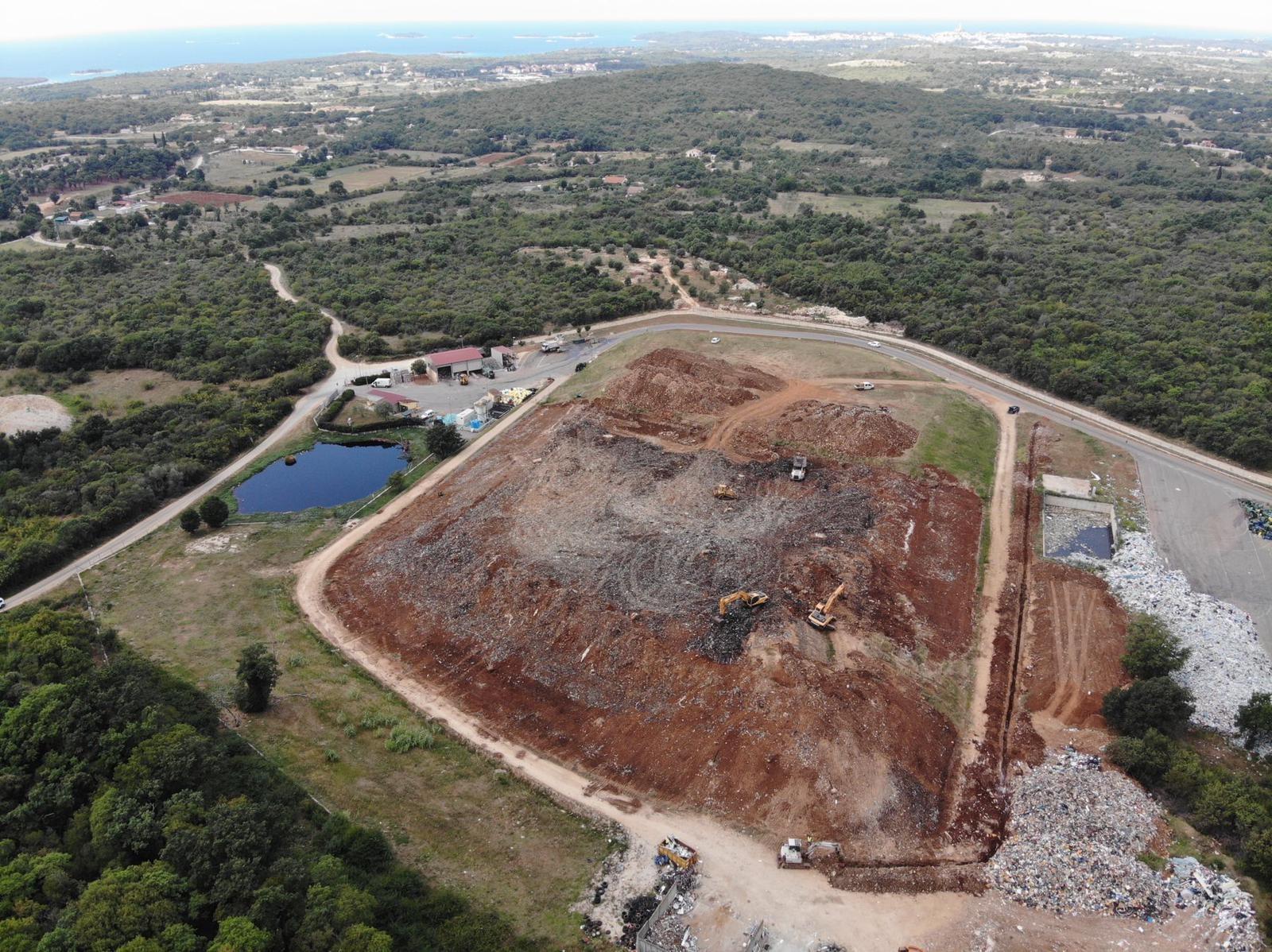 Proseguono i lavori di bonifica della discarica Laco Vidotto