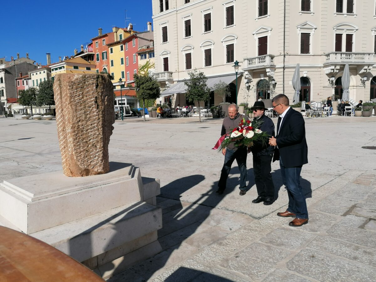 Na trgu održana komemoracija za Antona Bučkovića - glavna fotografija