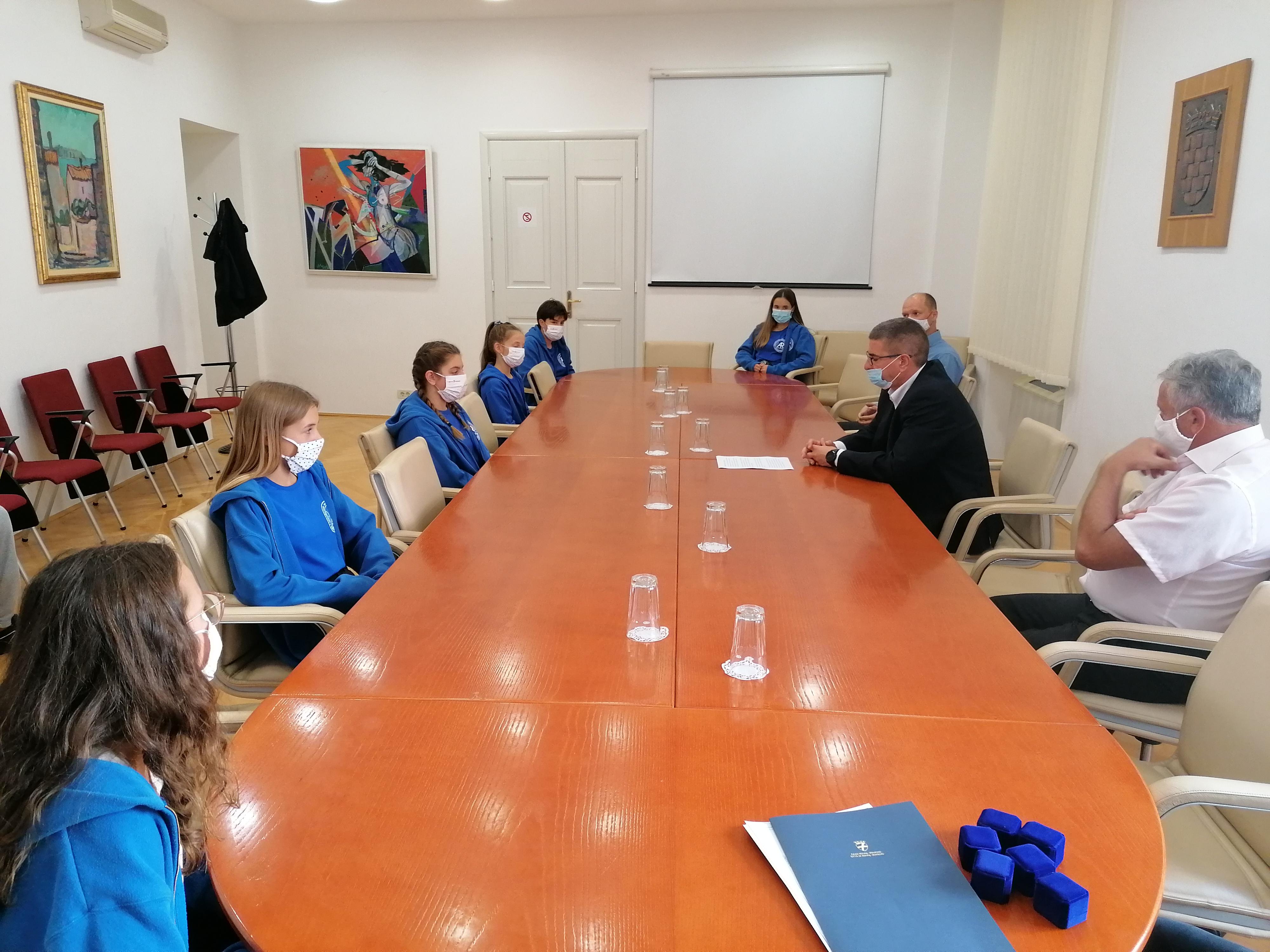 Gradonačelnik primio sportašice VK «Arupinum»