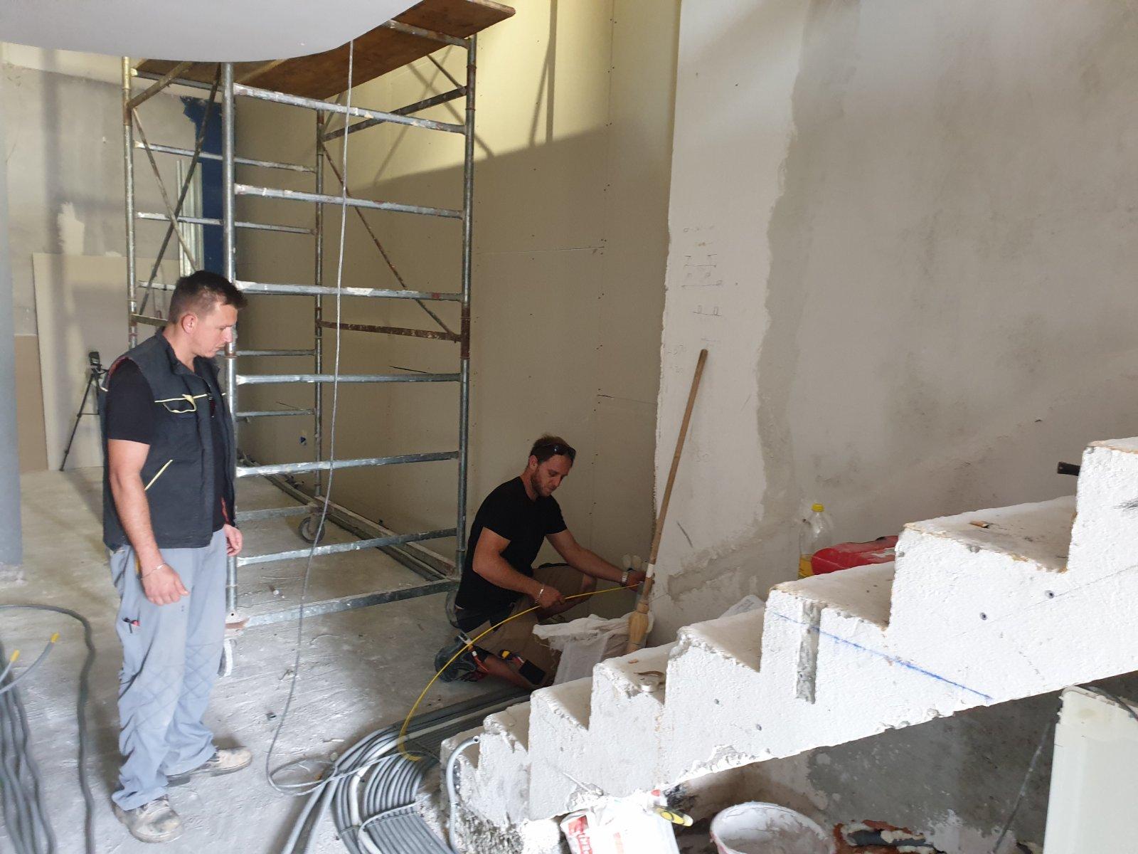 È in corso la ricostruzione dell'Ecomuseo «Casa della Batana»