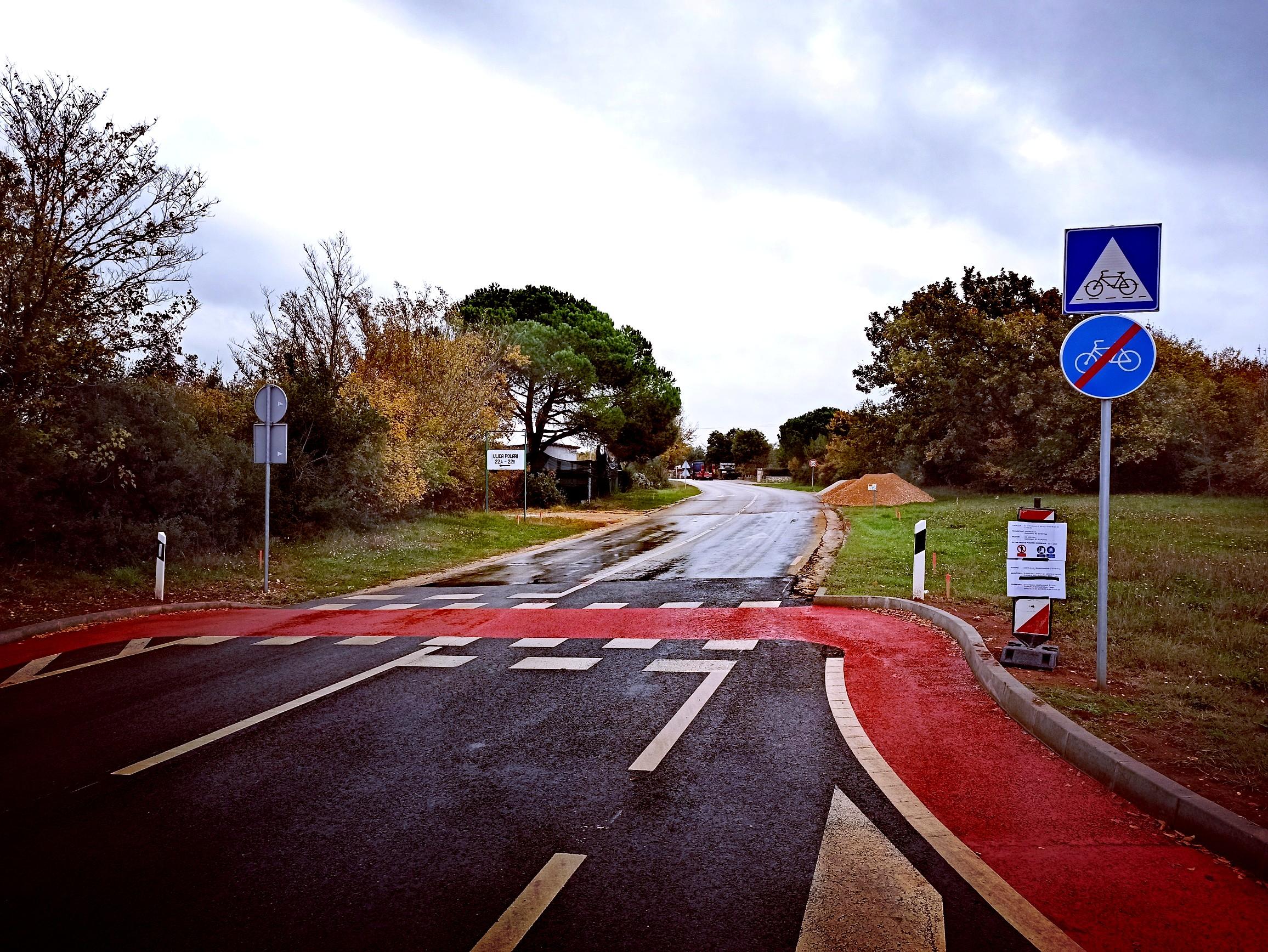 È in corso la costruzione della pista ciclabile sul tratto di strada Villas Rubin-Polari