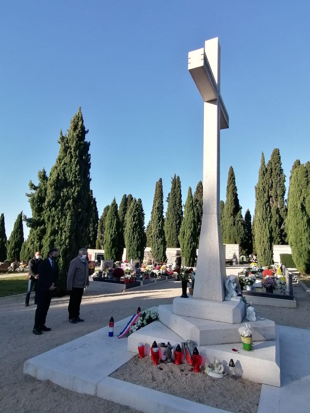 Grad Rovinj-Rovigno odao počast žrtvama Domovinskog rata - glavna fotografija