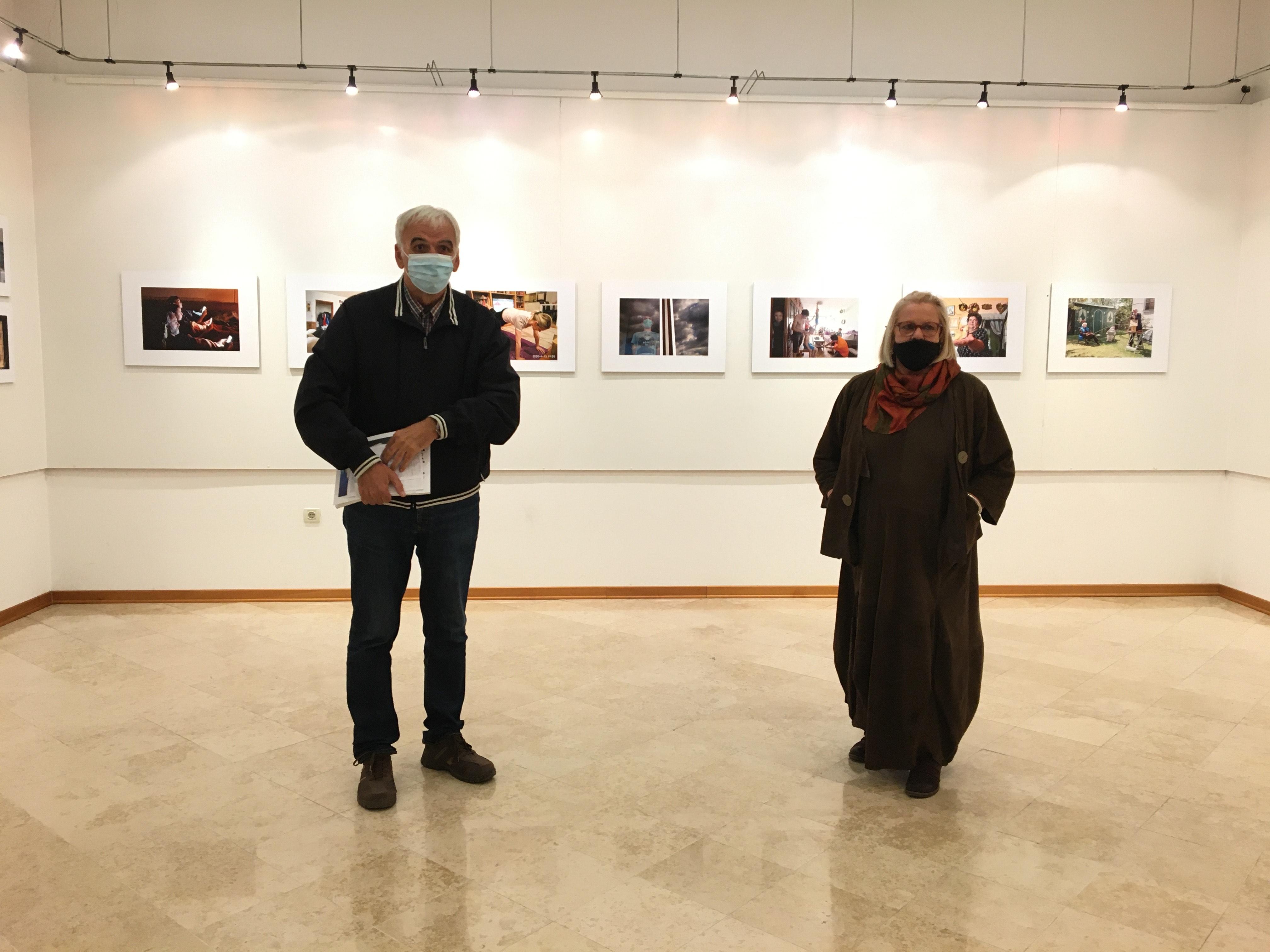 """Nella galleria del CAV """"Batana"""" inaugurata la mostra """"La mia casa"""""""