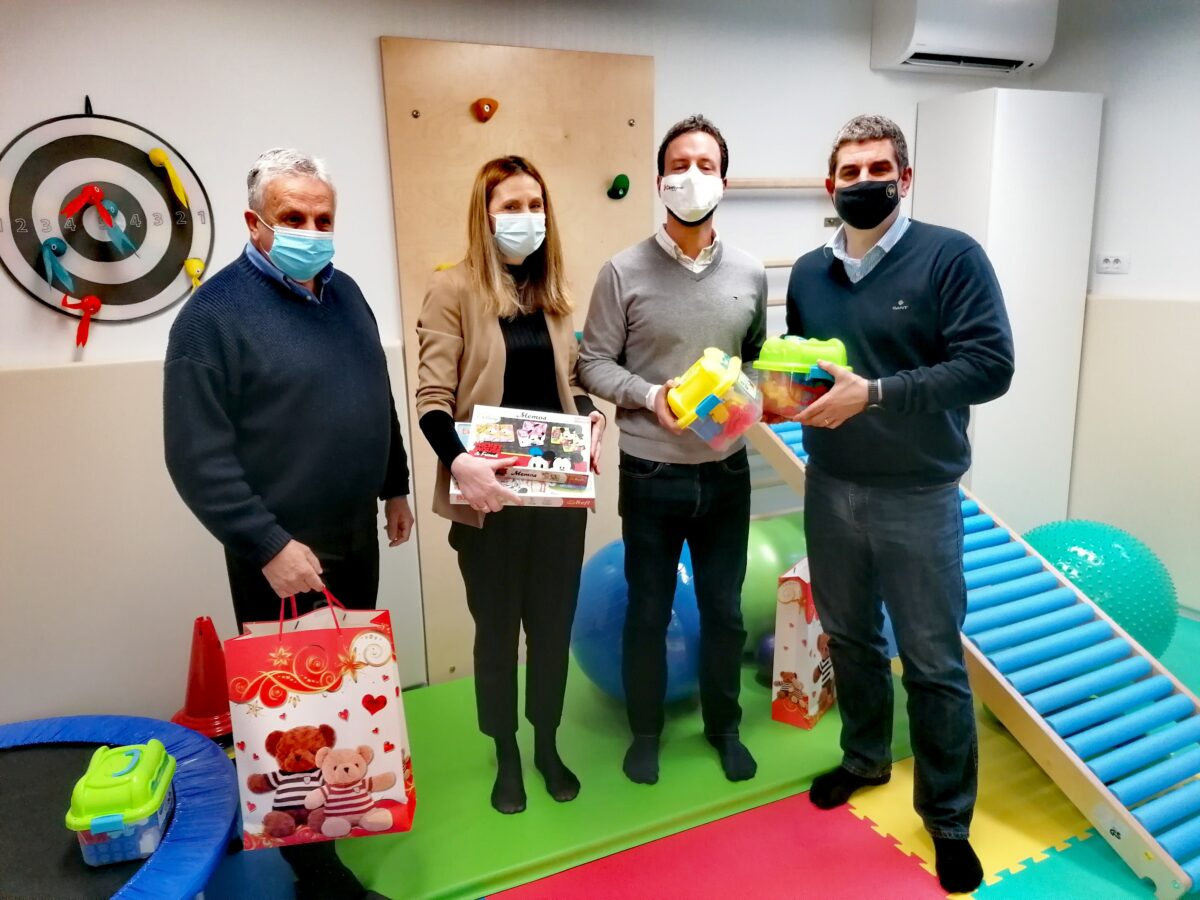 Grad Rovinj-Rovigno darovao igračke za najmlađe pacijente Specijalne bolnice «Martin Horvat» - glavna fotografija