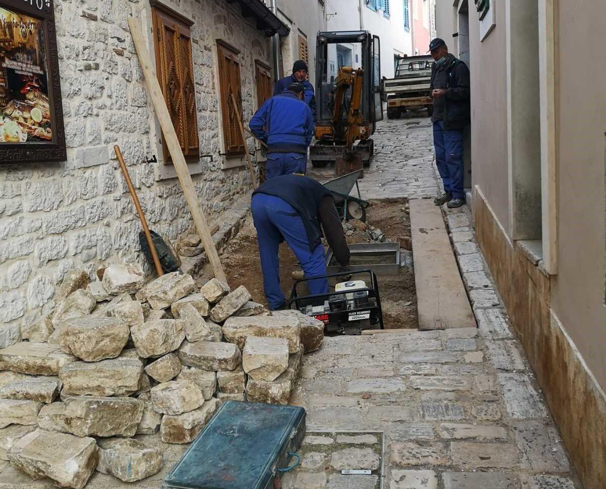 Risanamento della rete fognaria in via Milossa