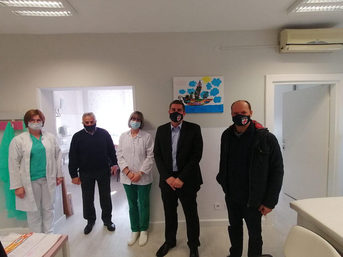 La città di Rovinj-Rovigno ha donato un analizzatore CRP all'Ambulatorio pediatrico - glavna fotografija