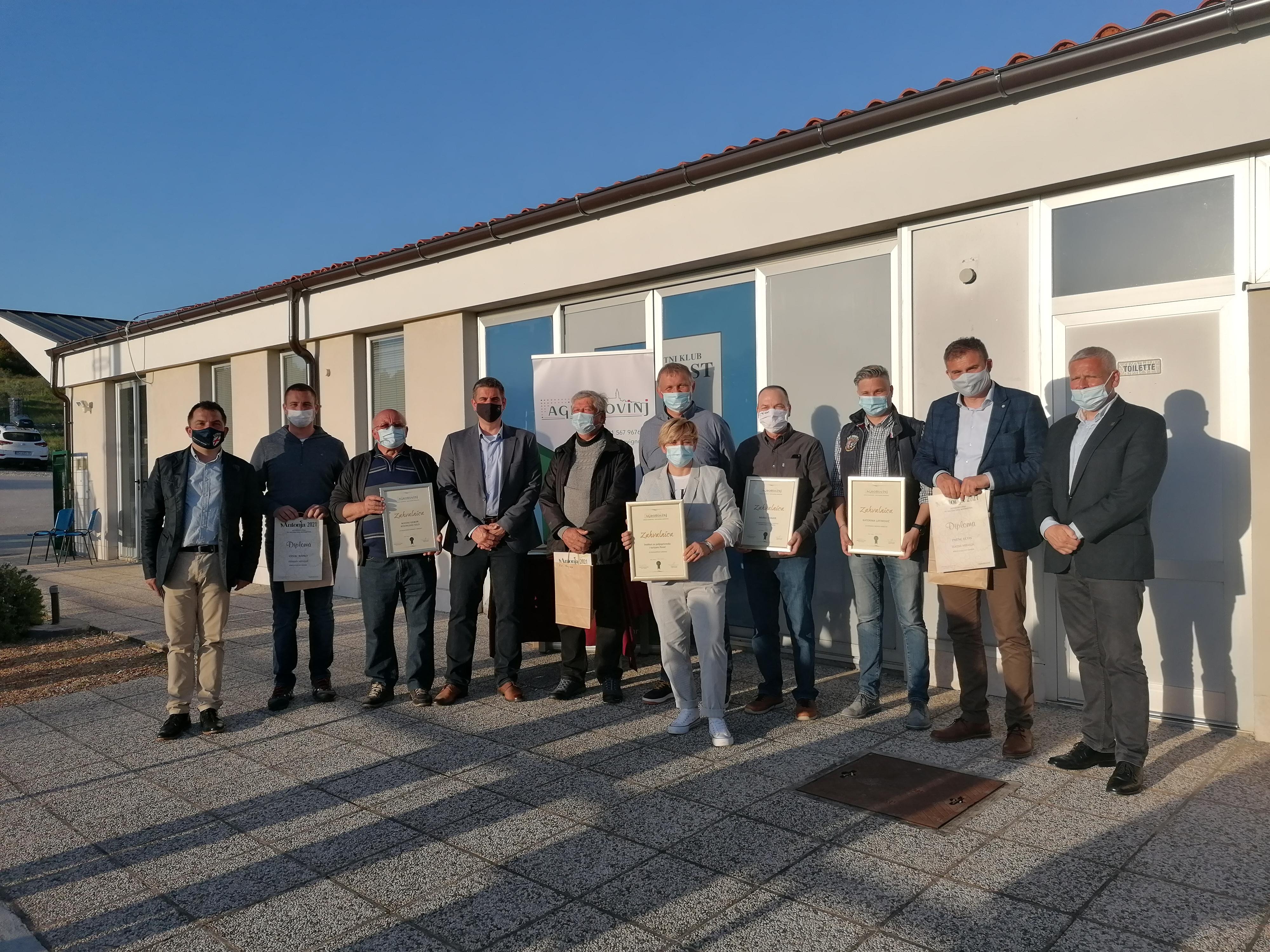 U Rovinjskom Selu dodijeljene nagrade vinarima i maslinarima