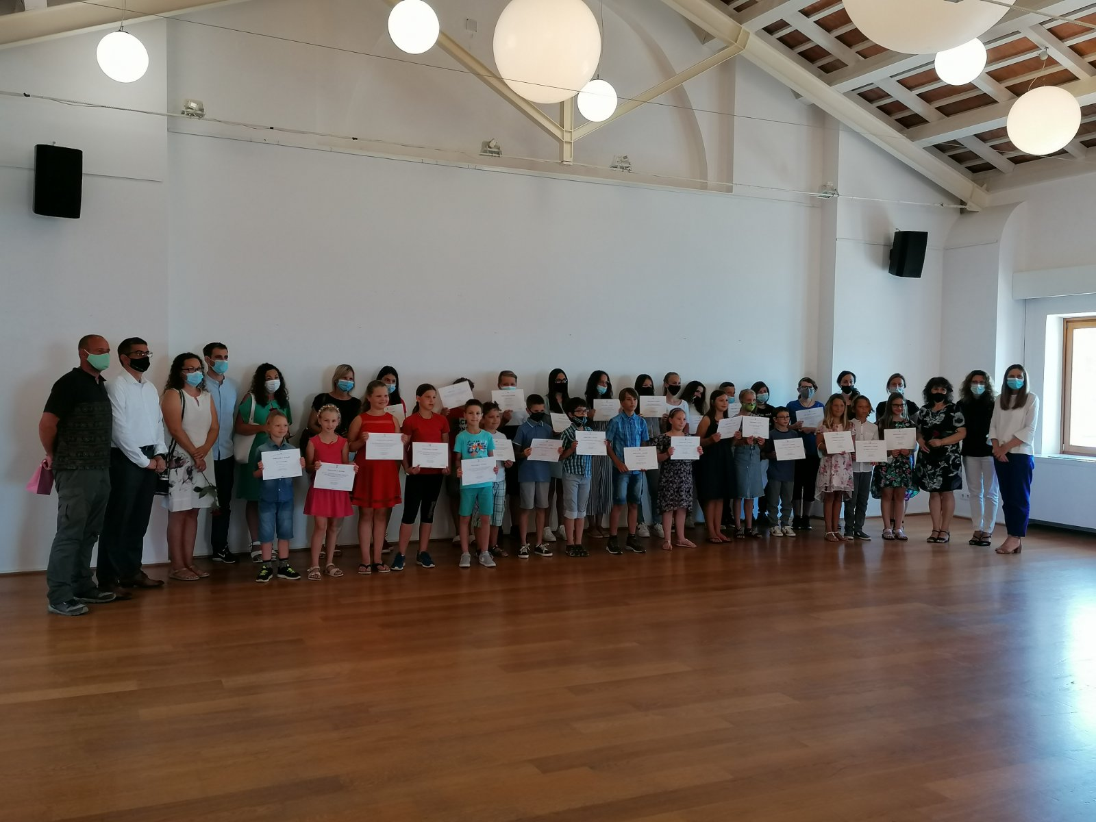 Si è tenuto il ricevimento dei vincitori dei concorsi regionali e statali delle scuole elementari di Rovigno