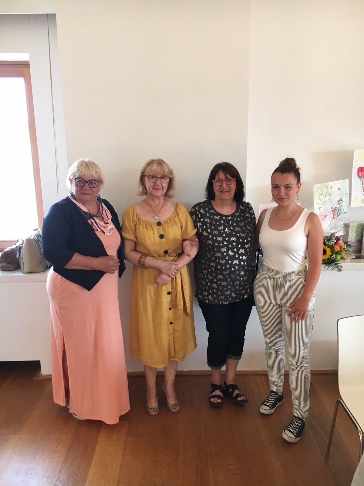 "Presentazione della raccolta di poesie ""Skini mi bako zvijezde"" - glavna fotografija"