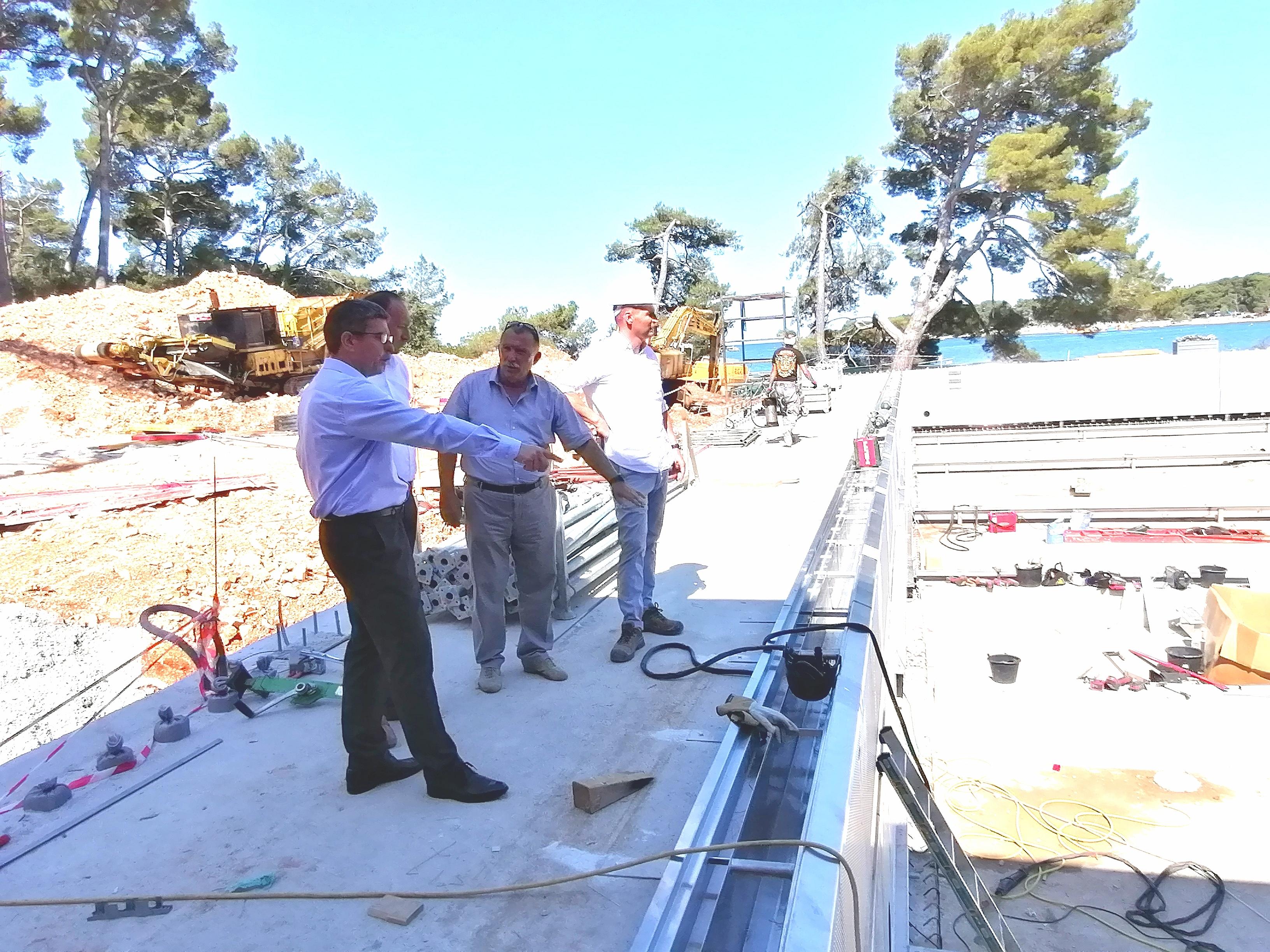 Il sindaco Marko Paliaga ha visitato il cantiere del complesso di piscine