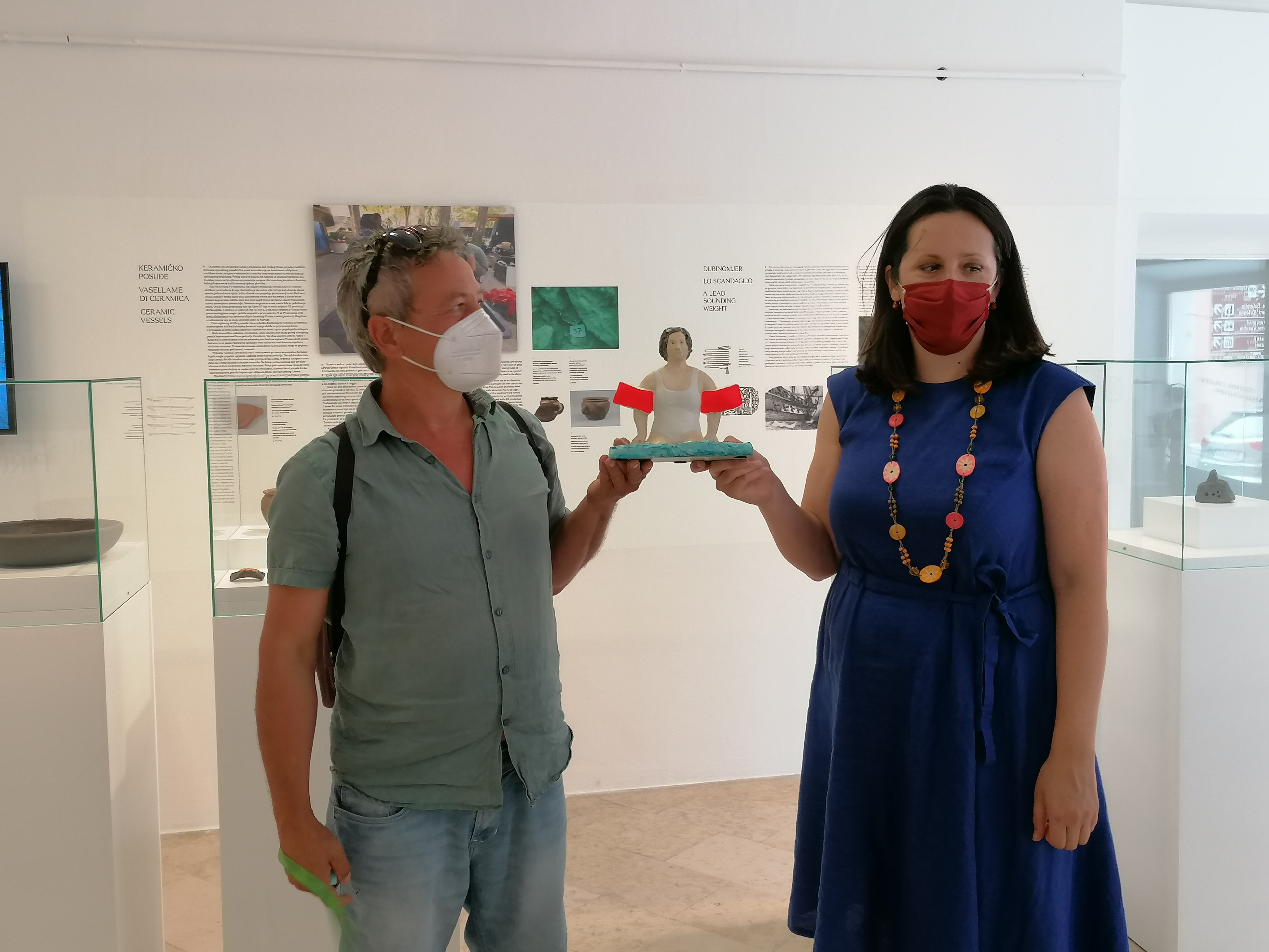 L'artista austriaco Peter Brauneis ha donato la scultura «Pirat» al Museo della Città di Rovinj-Rovigno