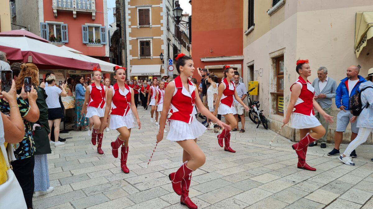 Dan grada Rovinja uz sajam tradicijskih obrta, glazbu i izložbe - glavna fotografija