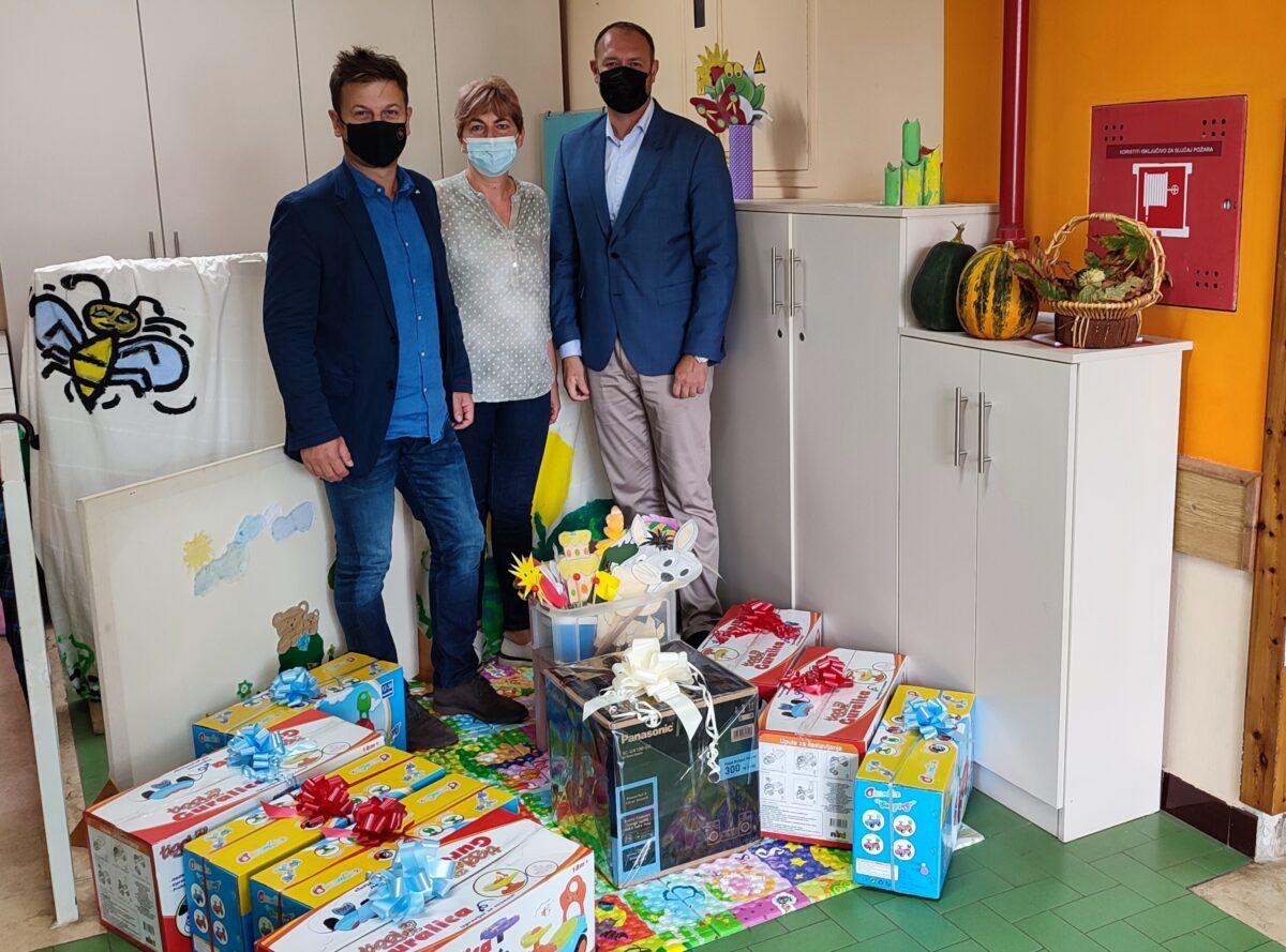 Rovinjske škole i vrtići proslavili Dječji tjedan - glavna fotografija